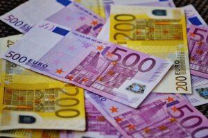 Gagner 2000 euros par mois